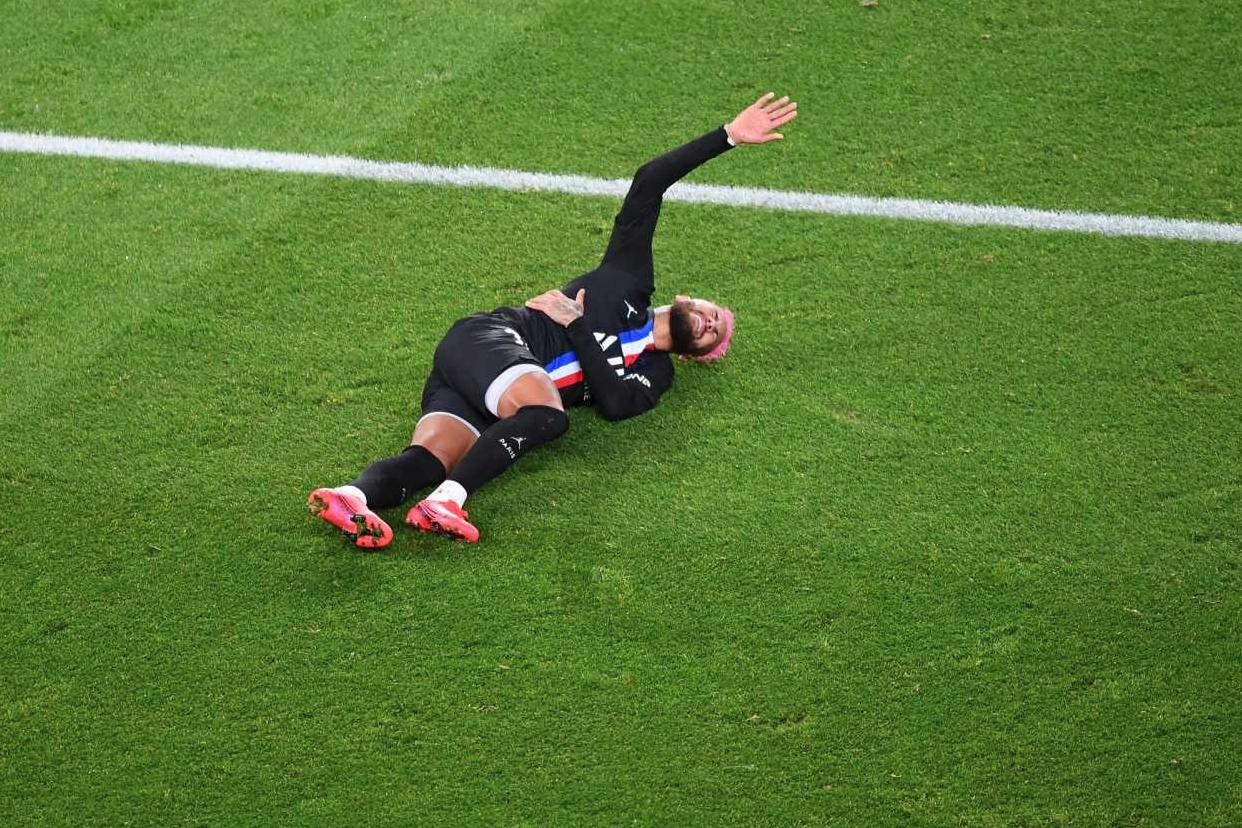 队报:保险起见,内马尔不会参加法国杯与第戎的比赛
