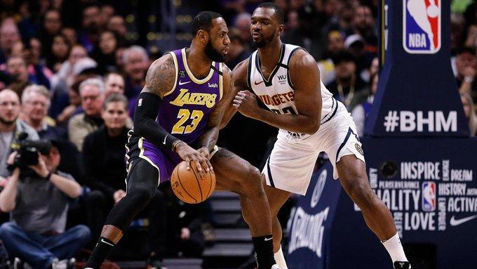 詹姆斯是NBA历史首位在35岁之后多次得到30+三双球员
