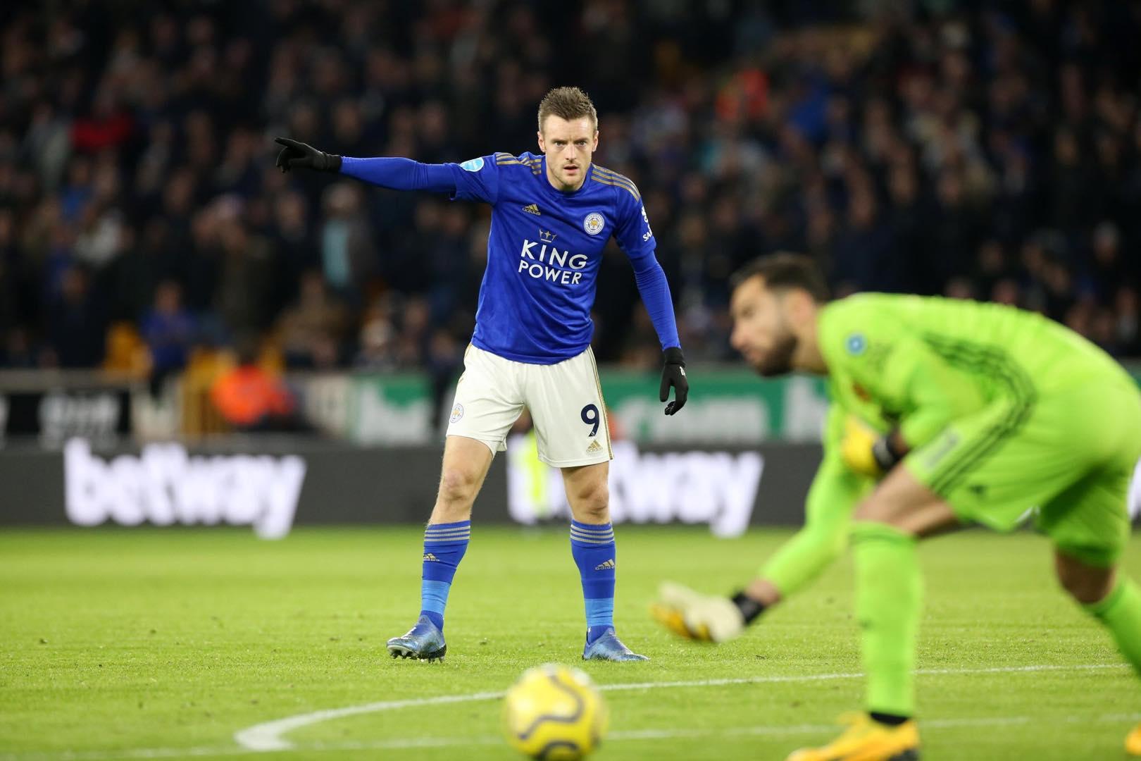 蓝狐传奇!瓦尔迪成莱斯特队史第2位英超出战200场的球员