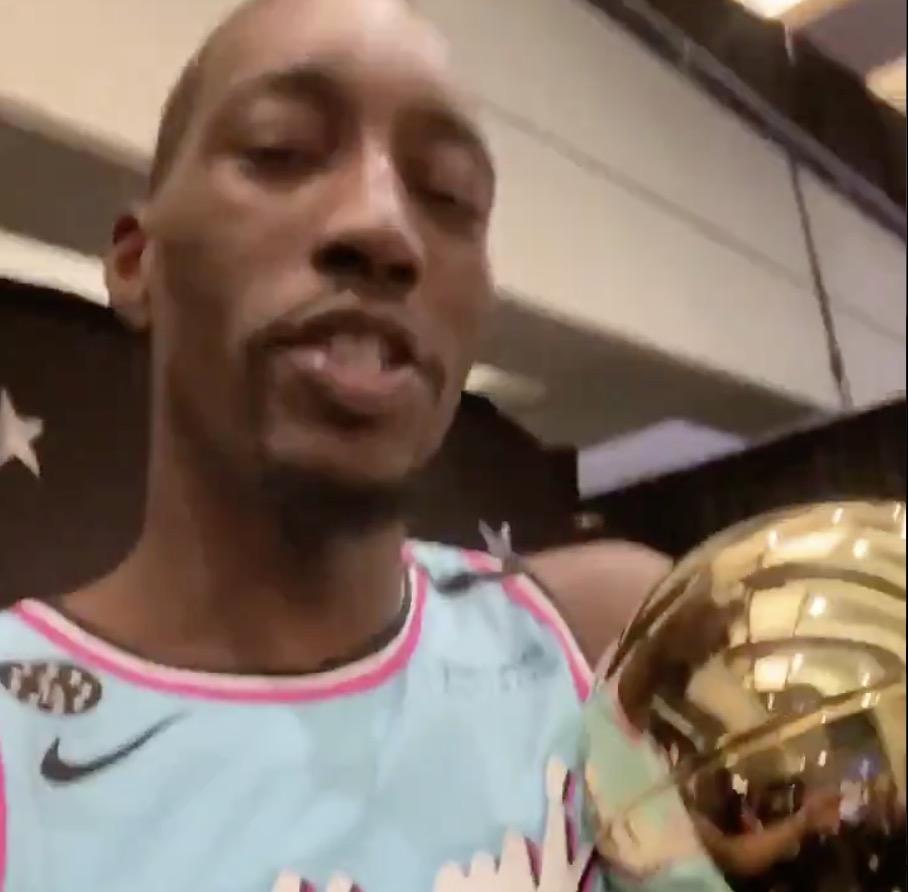 阿德巴约手捧技巧赛冠军奖杯:我要把它带回迈阿密