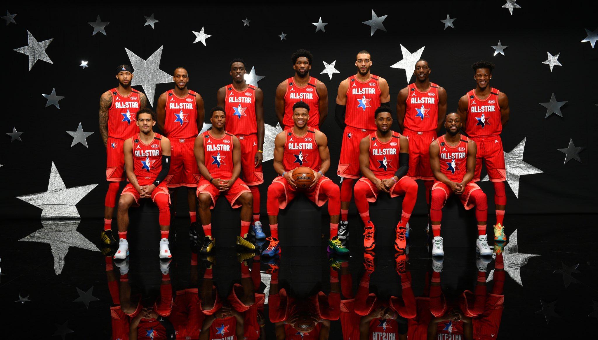 NBA官方发布全明星字母哥队全体球员合照