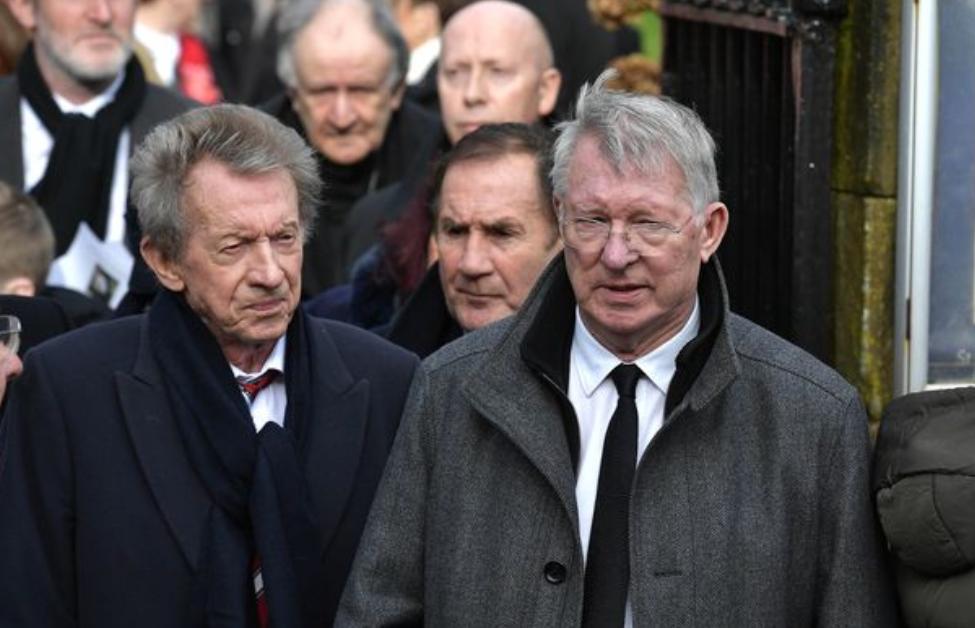 悼念传奇!弗格森和查尔顿出席了曼联传奇格雷格的葬礼