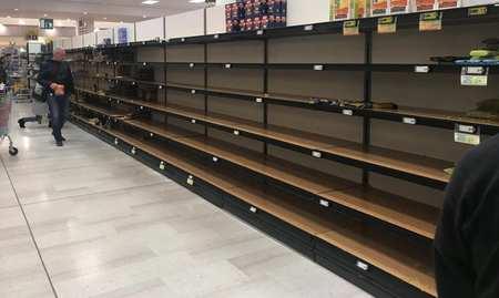 意大利疫情形势:米兰已开始抢购囤积食品及日用品