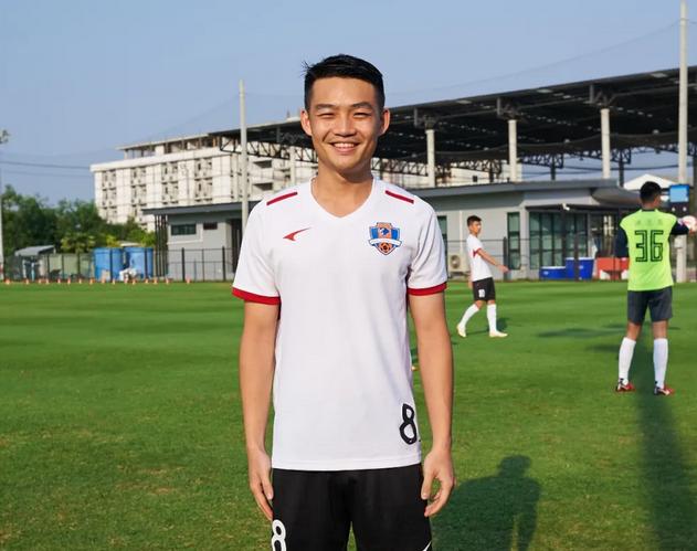 nba搜狐 官方:梁学铭、U23旅葡球员李俊锋正式加盟梅州客家