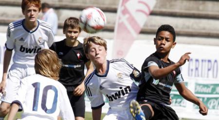 为淘汰脑部疾病的发生,英足总克制U12球员训练头球