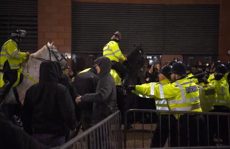 拜仁切尔西欧冠赛前发生骚乱,两名拜仁球迷被捕