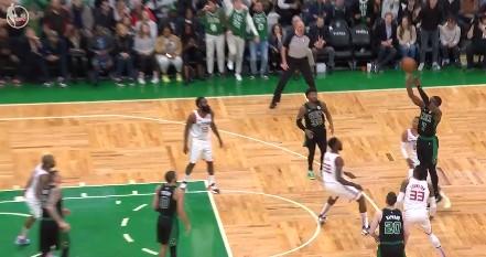 [视频]天秀!塔特姆故意罚球不中,布朗读秒扳平三分命中