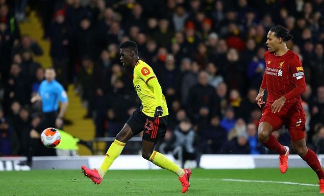 萨尔两射一传迪尼传射,利物浦客场0-3沃特福德连胜终结