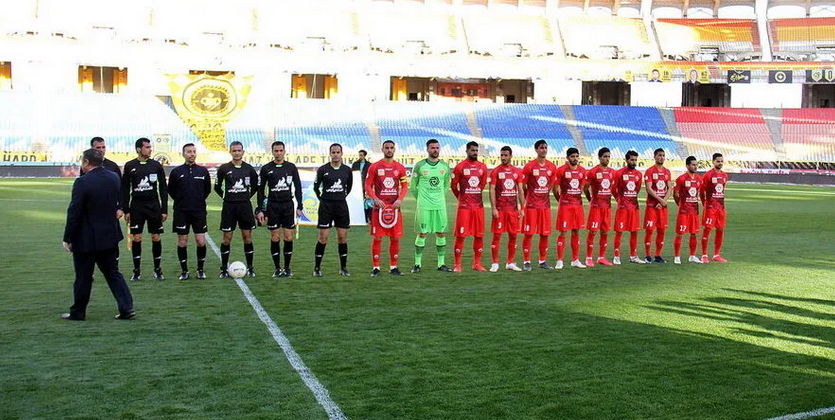 自己人?伊朗球队被主队球迷阻止无法按时比赛被判负