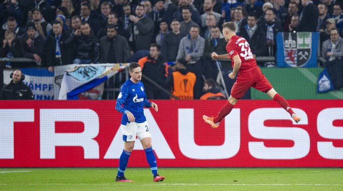 GIF:基米希凌空抽射破门,拜仁慕尼黑打破僵局