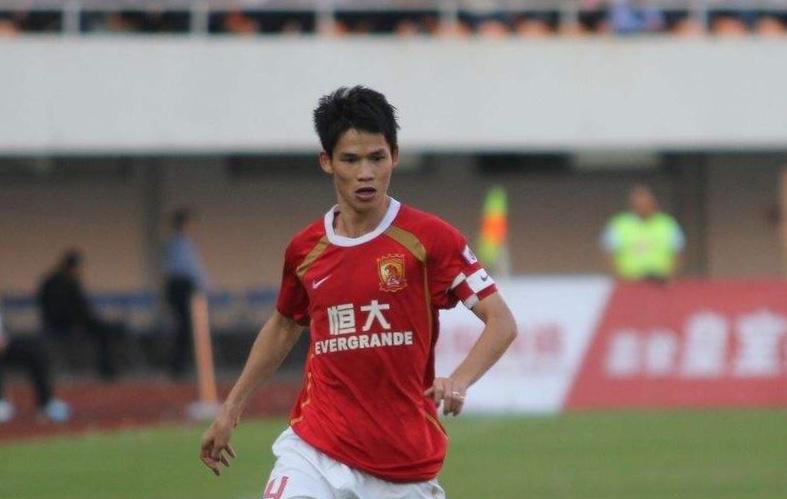 前恒大队长李健华退役,22年职业生涯全为广东效力?