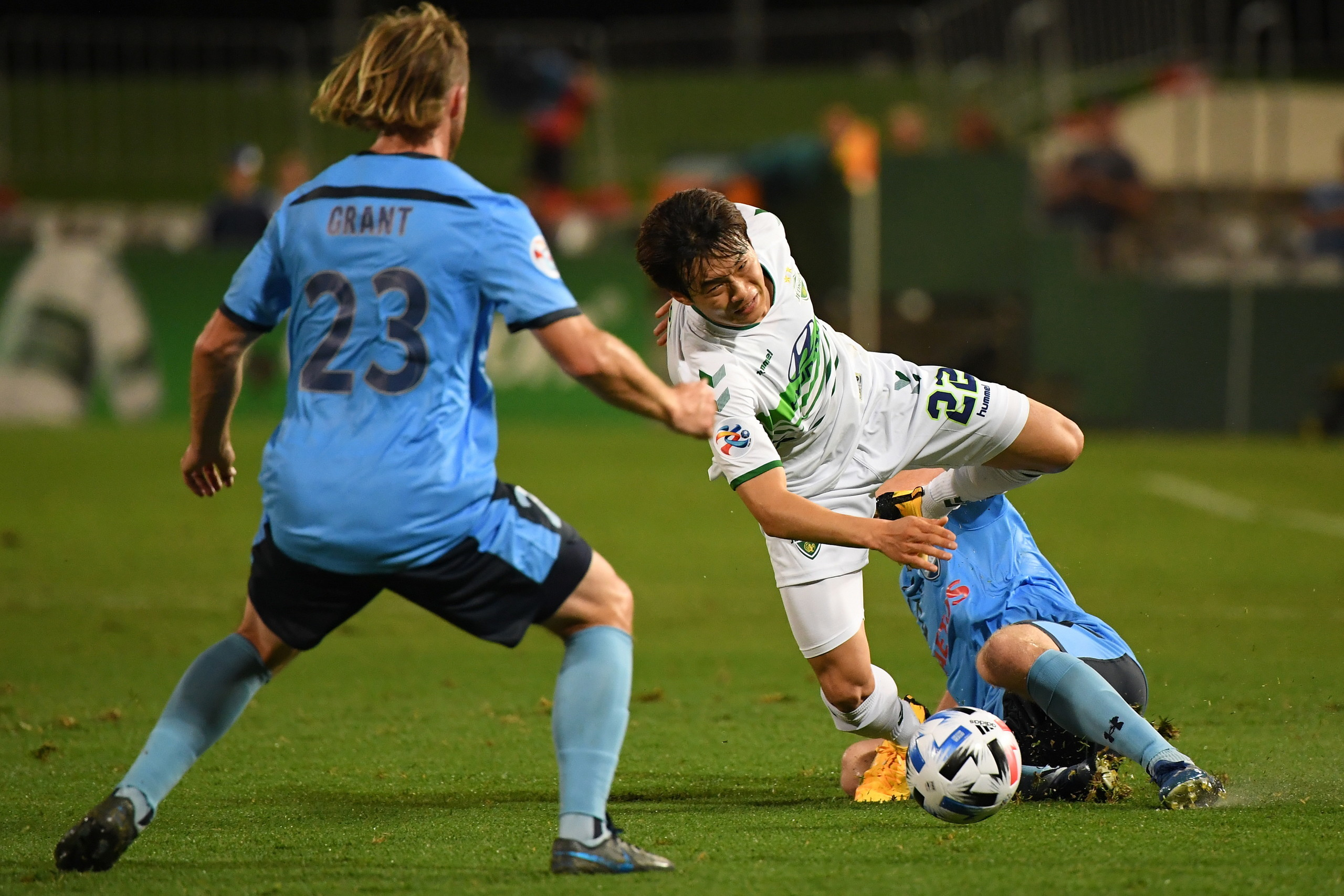 亚冠:全北2-2绝平悉尼,上港4、5月先主后客对阵两队