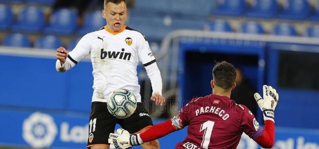 西甲:帕雷霍任意球破门,瓦伦西亚1-1阿拉维斯