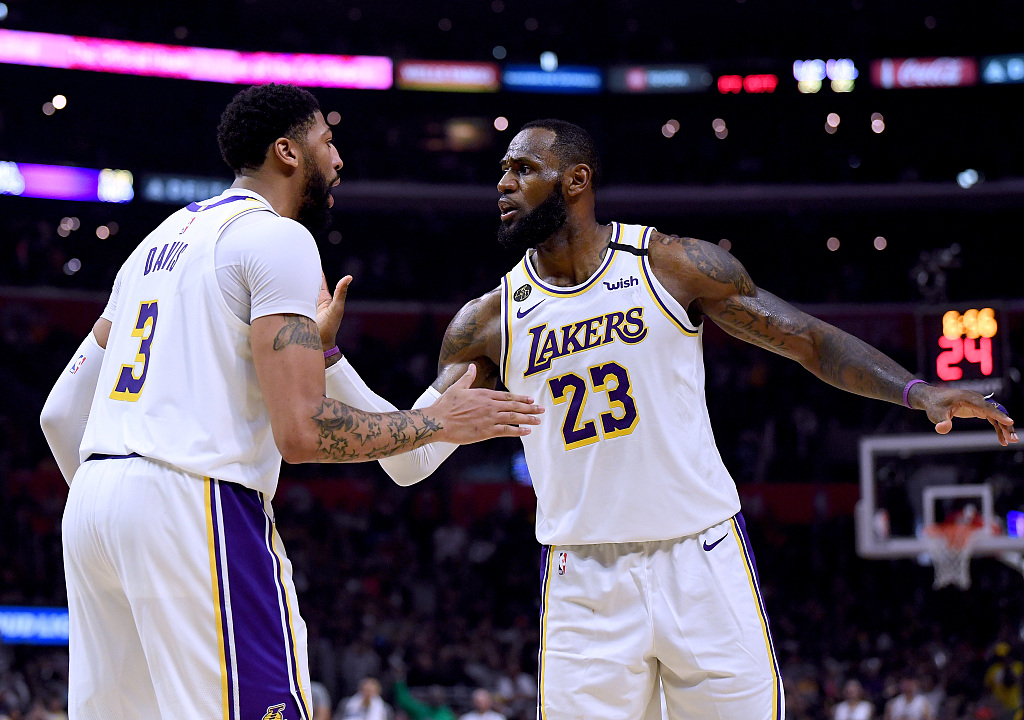 戴维斯:不认可詹姆斯是MVP的看看过去两场比赛吧
