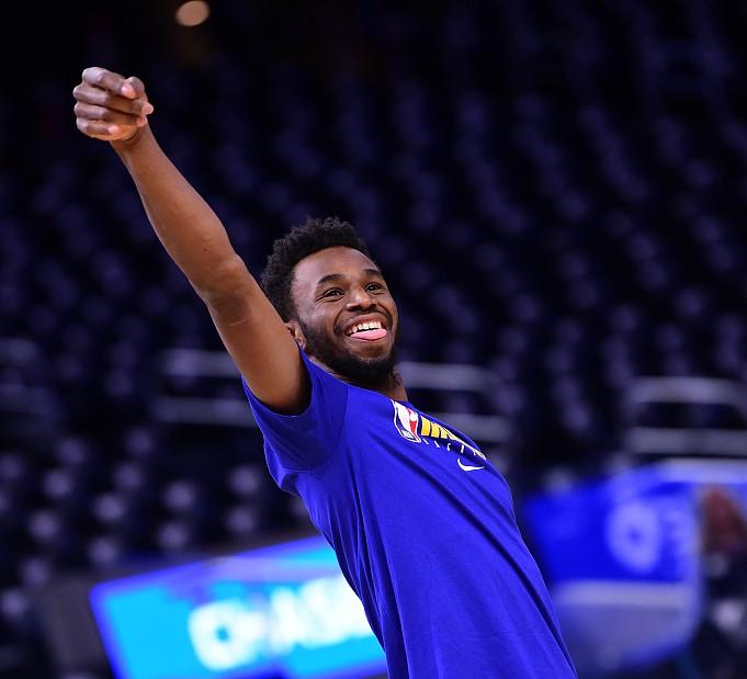 快乐篮球!威金斯半场9投5中得到12分2篮板2助攻