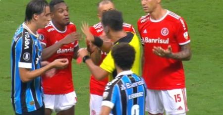 绿茵场变角斗场!格雷米奥巴西国际共8人被红牌罚下