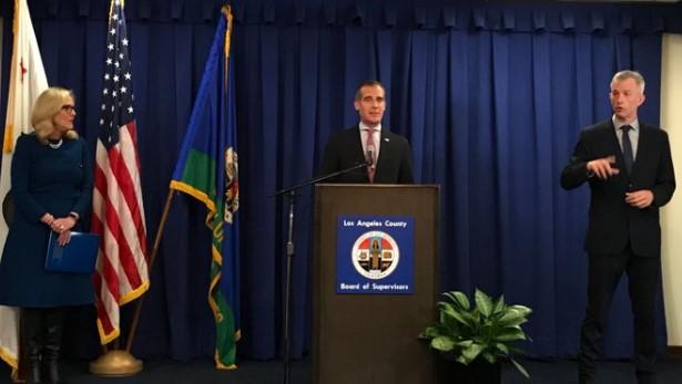 洛杉矶市长:所有洛杉矶居民待在家里,停止不必要的外出