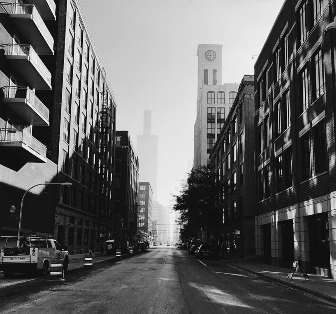 马尔卡宁Ins晒芝加哥街景:我已经挺久没出门了,哈哈