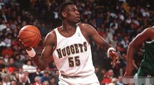 24年前的今天,穆托姆博单场31篮板创其幼我单场篮板纪录