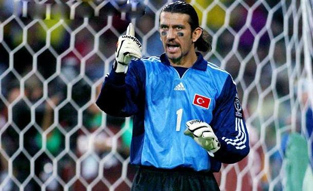 前巴萨门将、土耳其球星鲁斯图确诊感染新冠入院治疗