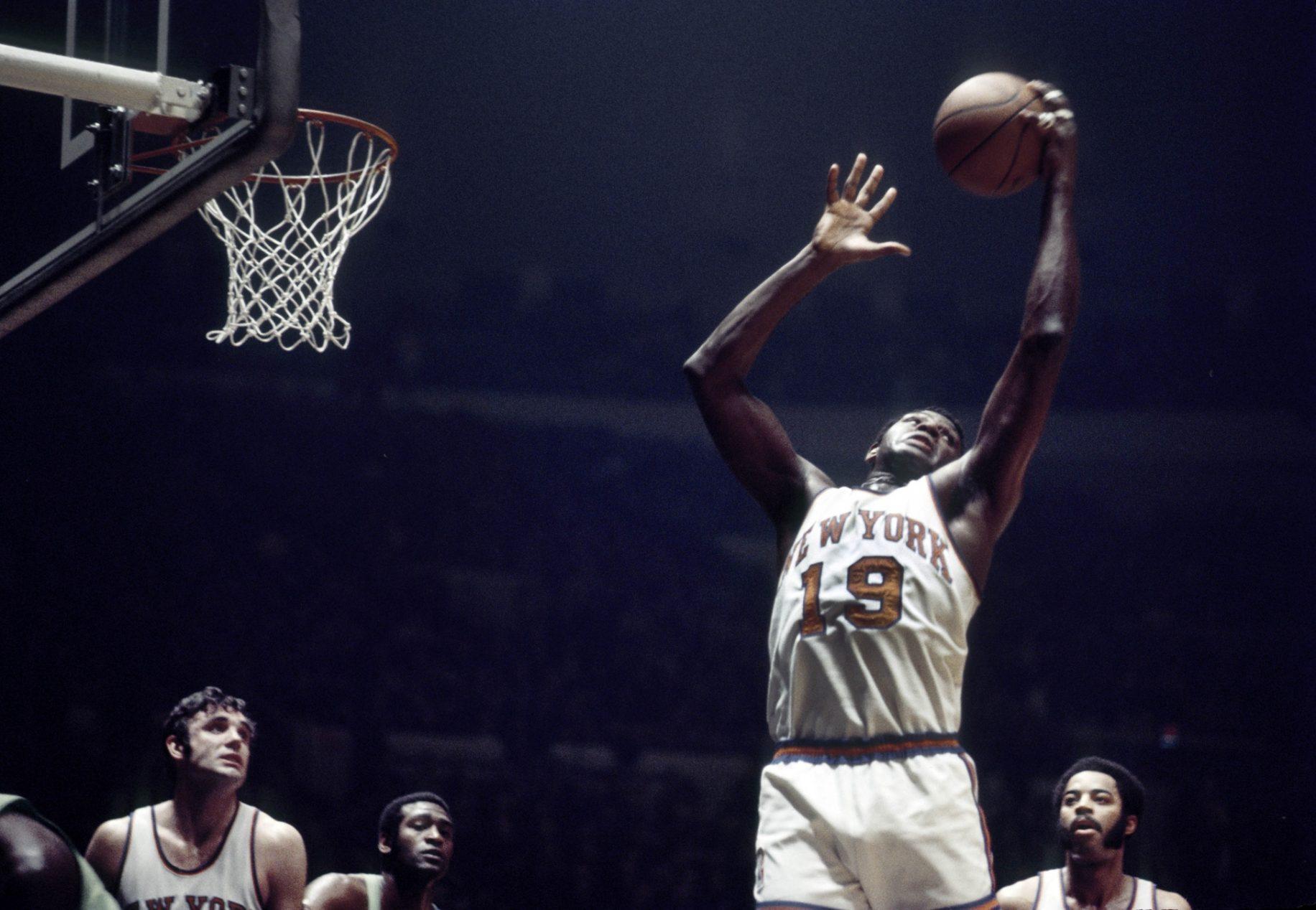 1970年的今天,威利斯-里德在东部半决赛中得到36篮板