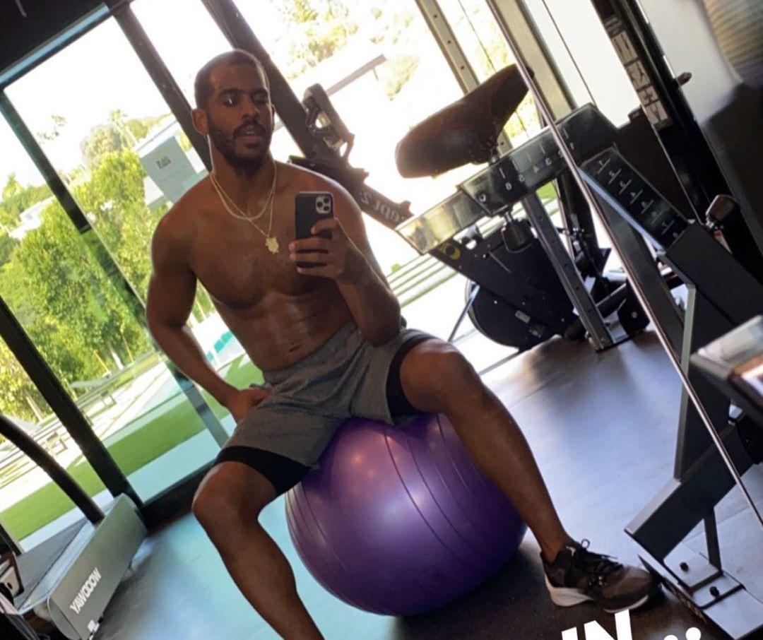 坚持锻炼,保罗发布自己在家训练的图片