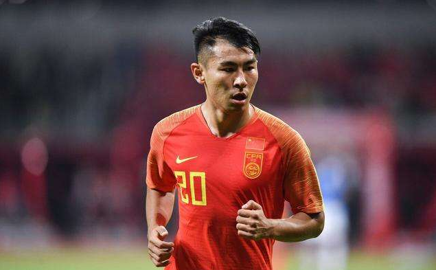 记者:李铁非常喜欢于汉超,能否重返国足要看足协态度
