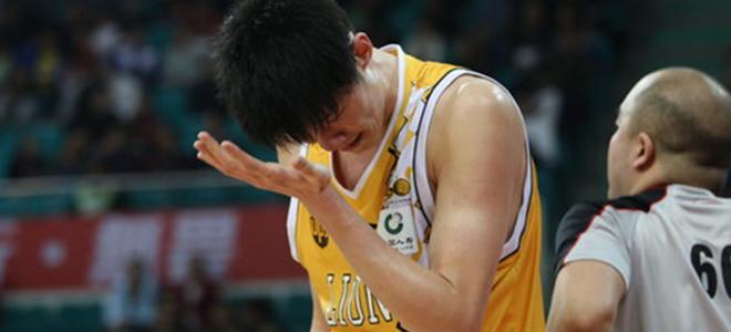 宋翔:胡金秋腰部受伤,万幸没有伤及骨头与神经