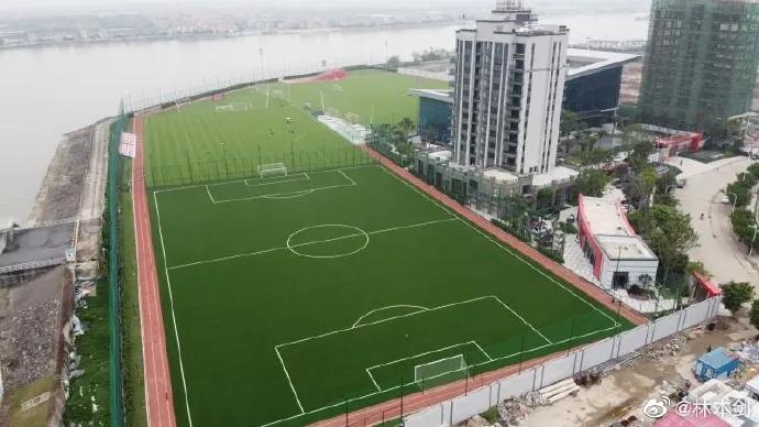记者:恒大新基地占地30亩,望成亚洲首屈一指专业基地