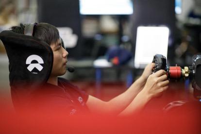 FE电动方程式虚拟赛,蔚来本赛季首获积分