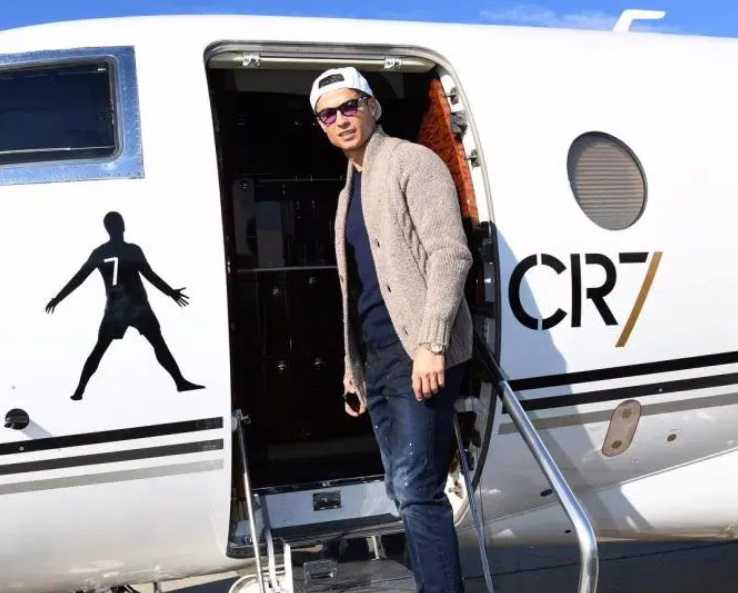 葡媒:C罗返意受阻,其私人飞机三次被拒绝起飞