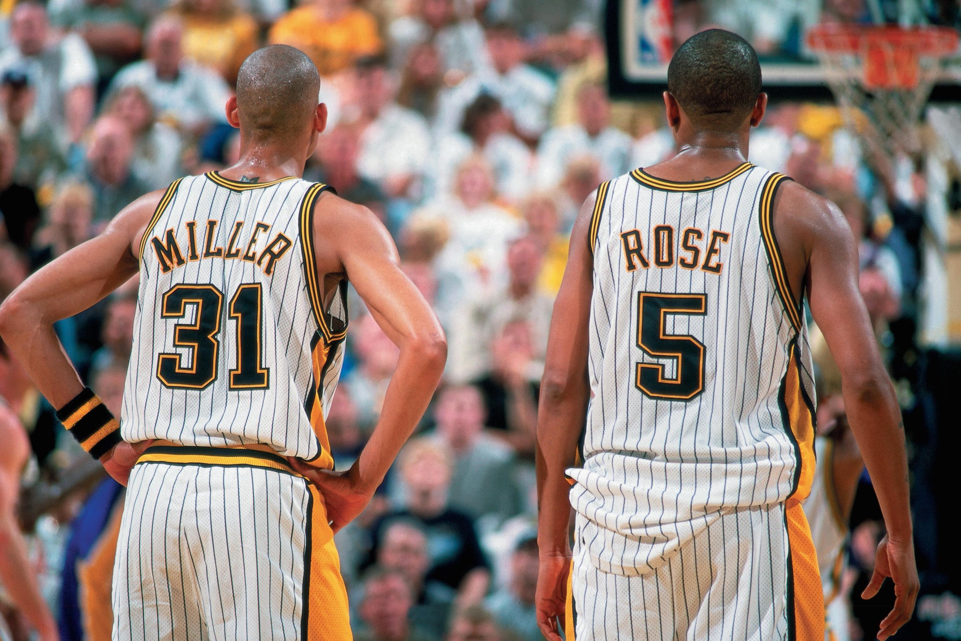2000年今天,雷吉-米勒与杰伦-罗斯季后赛同时得到40分