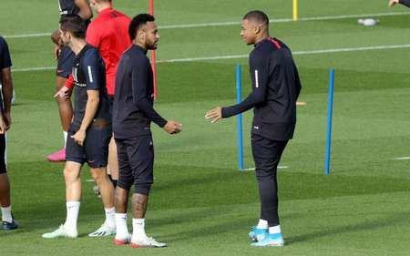 队报:巴黎推迟复训时间至6月,球员继续在家小我私家训练