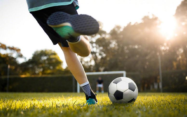 有地方踢球了!2020年全国再建3200多块足球场