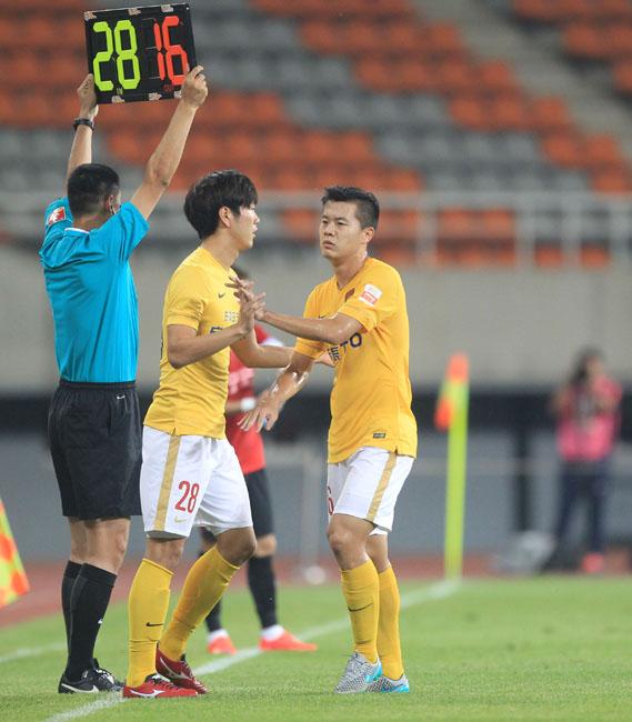 正式比赛可换5人!足协将严格执行国际足联新换人规则