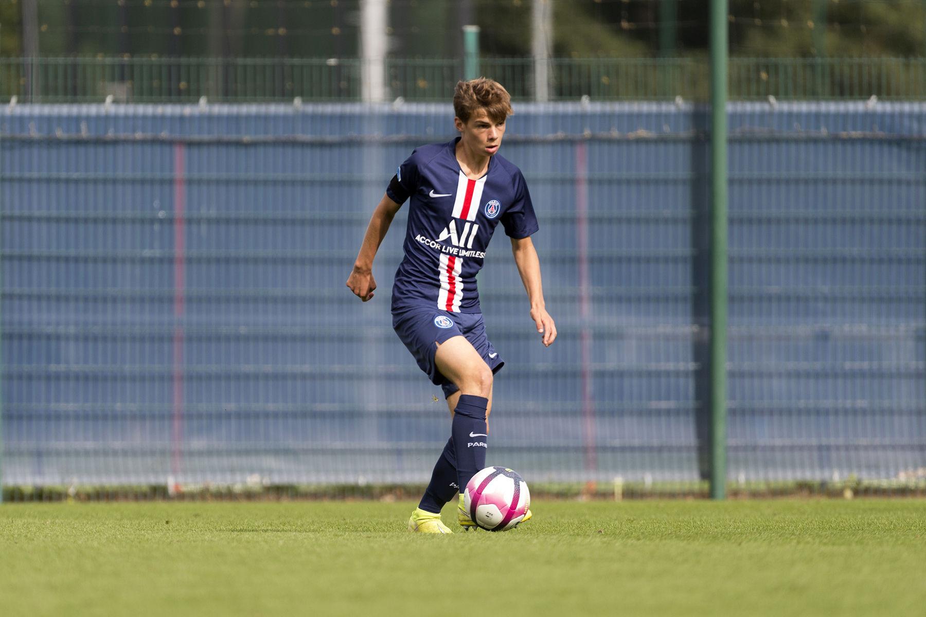 天空体育:曼城希望在今夏签下巴黎17岁小将米楚特