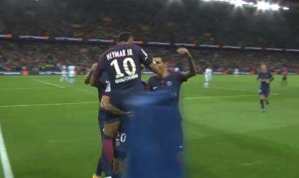 GIF:内马尔助攻库尔扎瓦破门,巴黎5-2图卢兹