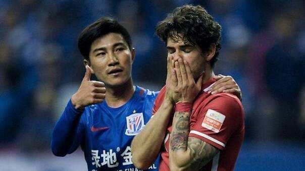 冯潇霆调侃孙世林:教练禁止他倒地铲球