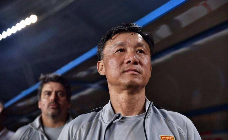 成耀东:国青集训考察队员,踢中乙人选要与俱乐部商量