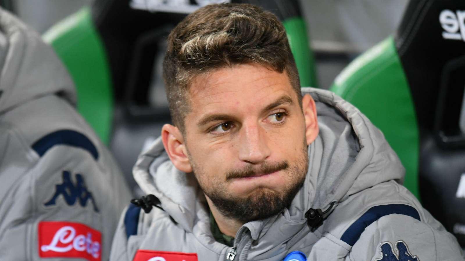 跟队记者:若日尼奥可能成说客,邀请默滕斯加盟切尔西