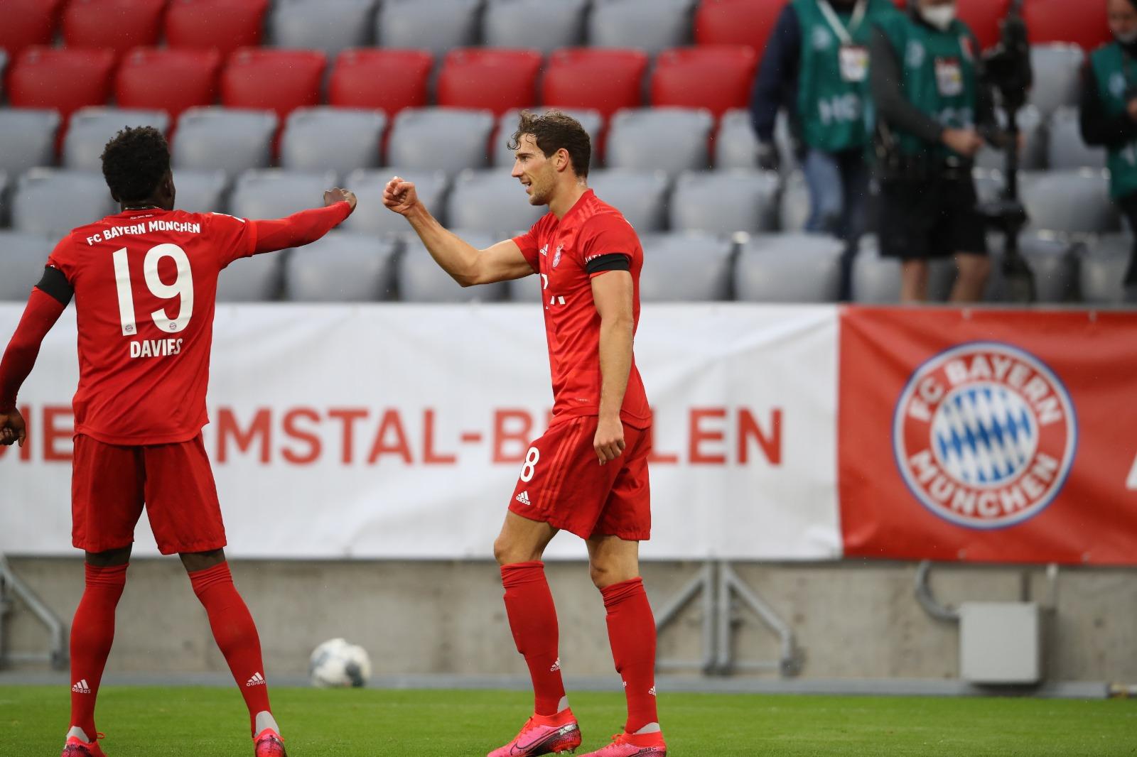 GIF:穆勒助攻戈雷茨卡破门,拜仁领先法兰克福