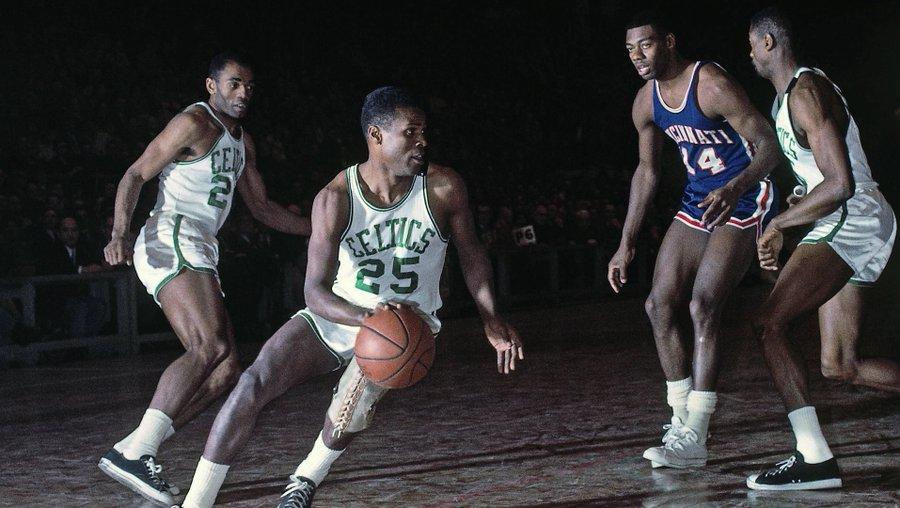 生日快乐!今天是前总冠军球员KC-琼斯的88岁生日