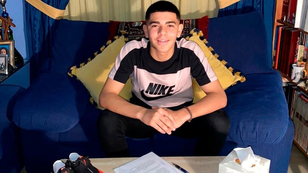 马竞与16岁摩洛哥新星萨利姆签下工作合同
