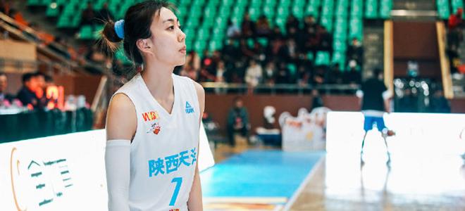 裴悦加盟新疆女篮,下赛季将代表新疆出战