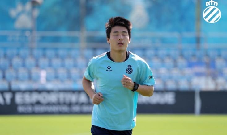 武磊:攻破巴萨球门在掌握之中,非常支持年轻球员留洋  足球话题区