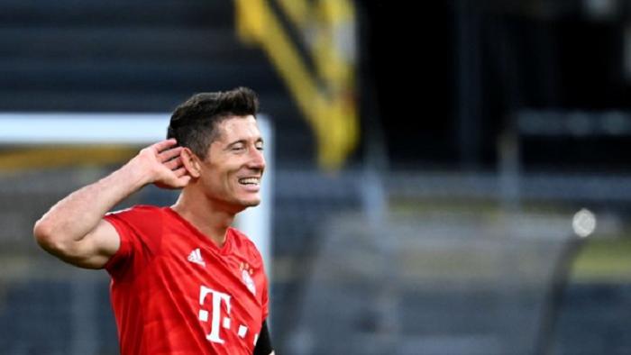 """打破""""进球荒""""!莱万完成对德甲18支球队通杀"""