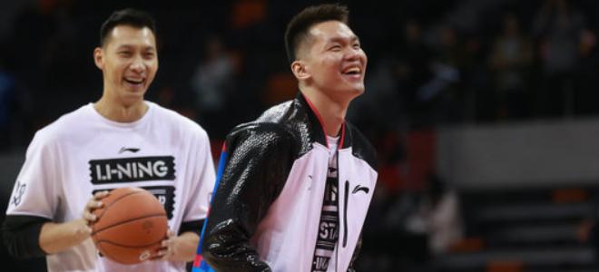 易建联关注独臂篮球少年,朱芳雨邀其参观广东男篮