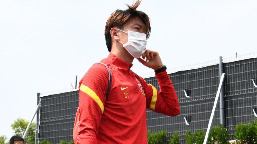 足球报:申花还在和杨旭进行谈判,管理层也在积极争取