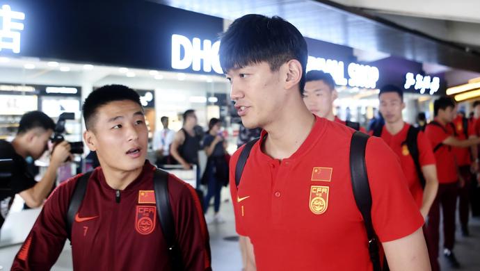 颜骏凌:想学武磊去五大联赛闯荡,李铁具有大哥的风范