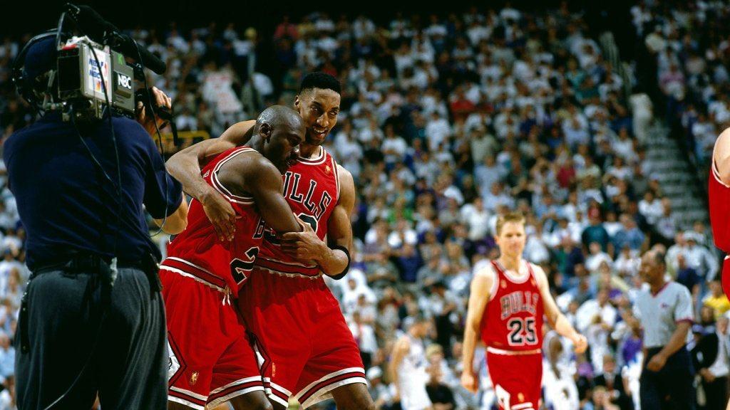 """23年前的今天,乔丹""""流感之战""""轰下38分带队拿下天王山"""